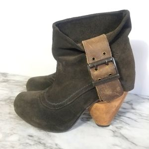 Sz 5.5 Fly London grey leather suede booties